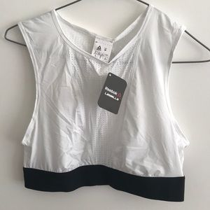 Tops - New Reebok cropped tank Les mills